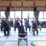 お寺に行ったらキレイになった…~仏教婦人会が椅子ヨガを体験~